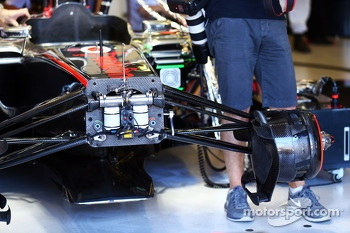 McLaren MP4-28 front suspension
