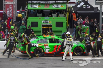 Danica Patrick, Stewart-Haas Racing Chevrolet pitstop