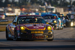 #30 NGT Motorsport Porsche 911 GT3 Cup: Henrique Cisneros, Marco Seefried, Sean Edwards