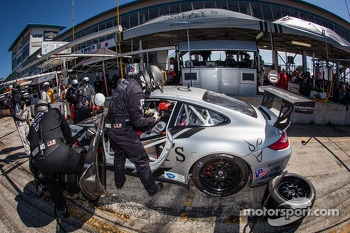 Pit stop for #27 Dempsey Racing Porsche 911 GT3 Cup: Patrick Dempsey, Andy Lally, Joe Foster