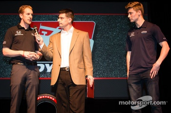 Drivers presentation: Charlie Kimball, Novo Nordisk Chip Ganassi Racing Honda and Josef Newgarden, Sarah Fisher Hartman Racing Hionda