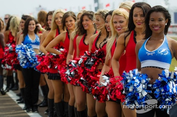 Charming grid girls