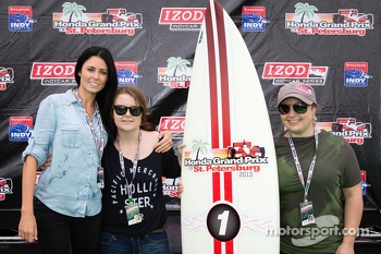 Victory circle: Kirsten Dee, girlfriend of James Hinchcliffe, Holly Wheldon, James' sister Rebecca Hinchcliffe pose with the first prize