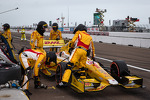 pit-stop-for-ryan-hunter-reay-andretti-autosport-chevrolet-7