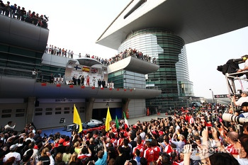 The podium, Lotus F1 Team, second; Fernando Alonso, Ferrari, race winner; Lewis Hamilton, Mercedes AMG F1, third