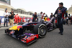 Sebastian Vettel, Red Bull Racing RB9 on the grid