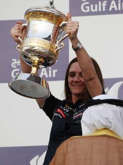 Gill Jones, Red Bull Racing Electronics celebrates on the podium