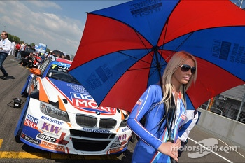 Charles Ng, BMW E90 320 TC, Liqui Moly Team Engstler and Liqui Moly girl