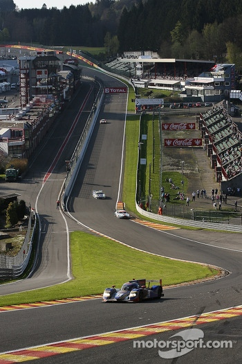 Reaching the last stage of the race, a view of « Eau Rouge »