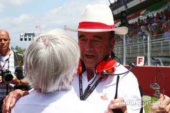 (L to R): Bernie Ecclestone, CEO Formula One Group, with Emilio Botin, Santander Chairman on the grid