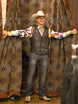 Tim Slade tries on some Texas style