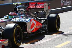 Sergio Perez, McLaren MP4-28 running sensor equipment at the rear suspension