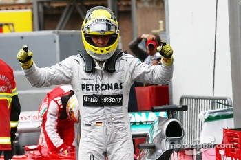 pole Position for Nico Rosberg, Mercedes AMG F1 W04  25