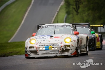 #28 Manthey-Racing Porsche 911 GT3 R (SP9): Otto Klohs, Jens Richter
