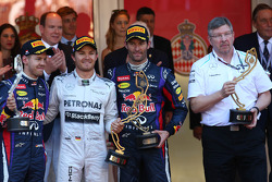 1st place Nico Rosberg, Mercedes AMG F1 W04, 2nd place Sebastian Vettel, Red Bull Racing and 3rd Mark Webber, Red Bull Racing and Ross Brawn, Mercedes AMG F1 Team Principal