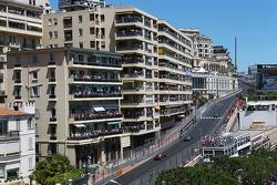 Nico Rosberg, Mercedes AMG F1 W04 leads Lewis Hamilton, Mercedes AMG F1 W04 and Sebastian Vettel, Red Bull Racing RB9