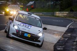 #143 Roadrunner Racing Renault Clio Cup (SP3): Nadir Zuhour, Mohammed Al Owais, Omran Al Owais, Umair Ahmed Khan