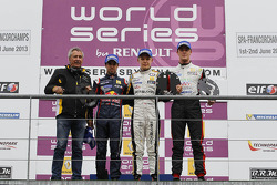 Race winner Kevin Magnussen, second place Antonio Felix da Costa, third Nigel Melker