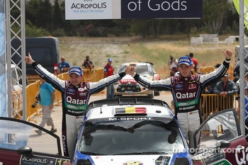 Thierry Neuville and Nicolas Gilsoul, Ford Fiesta WRC, Qatar M-Sport WRT on the podium