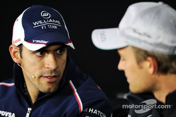 (L to R): Pastor Maldonado, Williams and Nico Rosberg, Mercedes AMG F1 in the FIA Press Conference