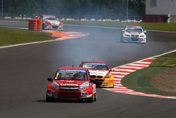 Mikhail Kozlovskiy, LADA Granta, LADA Sport Lukoil and Darryl O'Young, BMW E90 320 TC, ROAL Motorsport