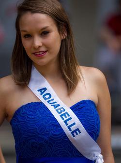 Pretty girl at the Grande Parade des Pilotes