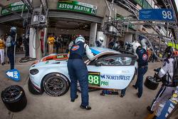 Pit stop for #98 Aston Martin Racing Aston Martin Vantage GTE: Bill Auberlen, Paul Dalla Lana, Pedro Lamy