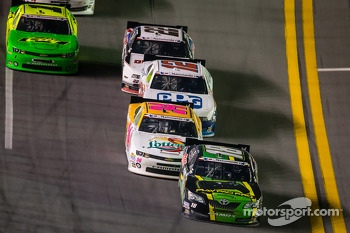 Matt Kenseth leads James Buescher