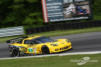 #4 Corvette Racing Chevrolet Corvette C6 ZR1: Oliver Gavin, Tom Milner