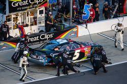 Pit stop for Kasey Kahne