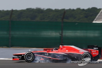 Rodolfo Gonzalez, Marussia F1 Team MR02 Reserve Driver locks up under braking