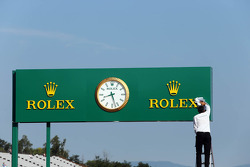 Rolex clock in the pits is cleaned