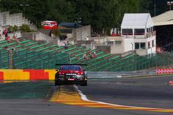 #32 Nissan GT Academy Team RJN, Nissan GT-R Nismo GT3: Mark Shulzhitskiy, Steve Doherty, Alex Buncombe, Chris Buncombe