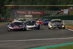1st lap; #107 Hexis Racing McLaren MP4-12C: Olivier Panis, Laurent Cazenave, Eric Debard, Côme Ledogar