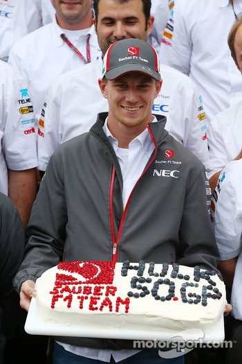 Nico Hulkenberg, Sauber celebrates his 50th GP with the team