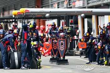 Red Bull Racing prepare for a pit stop