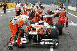 Paul di Resta, Sahara Force India VJM06 on the grid