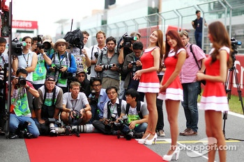 Photographers on the drivers parade