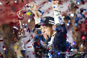 Race winner Brad Keselowski, Penske Racing Ford