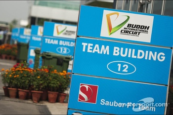 Team building signs in the paddock