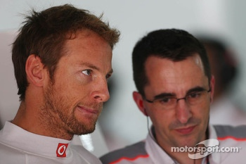 Jenson Button, McLaren with Dave Robson, McLaren Race Engineer
