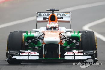 Paul di Resta, Sahara Force India VJM06 with worn Pirelli tyres