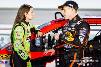 Danica Patrick, Stewart-Haas Racing Chevrolet and Mark Martin, Stewart-Haas Racing Chevrolet