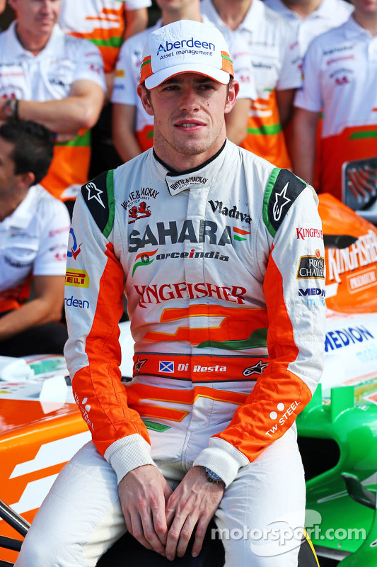 Paul di Resta, Sahara Force India F1 at a team photograph