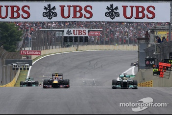 Mark Webber, Red Bull Racing and Nico Rosberg, Mercedes GP