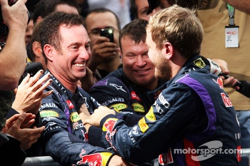 Race winner Sebastian Vettel, Red Bull Racing celebrates with Kenny Handkammer, Red Bull Racing Chief Mechanic in parc ferme