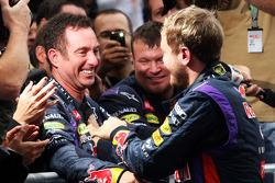 Race winner Sebastian Vettel, Red Bull Racing celebrates with Kenny Handkammer, Red Bull Racing Chief Mechanic in parc ferme