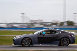 Aston Martin Vantage: Joel Janco, James Davison