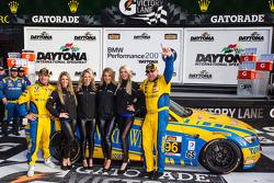 GS victory lane: race winners Bill Auberlen and Paul Dalla Lana celebrate with the Turner girls