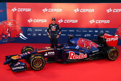Jean-Eric Vergne with the Scuderia Toro Rosso STR9